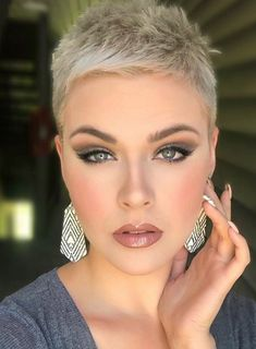 25 Best White Pixie Haircut Ideas For Cool Short Hairstyle - Short white pixie haircut, short haircu Super Short Hair, Short Grey Hair, Short Hair With Bangs, Short Blonde, Short Hair Cuts, Short Hair Styles, Short Cropped Hair, Very Short Haircuts, Cool Short Hairstyles