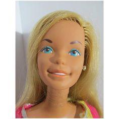 Vintage Barbie Dolls, Chokers, Fashion, Moda, Fashion Styles, Fashion Illustrations