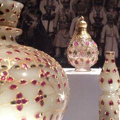 Jade, diamonds, rubies and emeralds galore in #TreasuresfromIndia #JewelsfromtheAl-Thanicollection @metmuseum