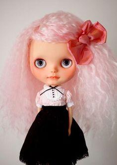 "Supabonbon Custom Blythe   Look at the beautiful ""cotton candy"" mohair"