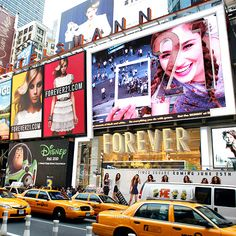 Forever 21- first interactive billboard in Times Square features a series of larger-than-life models who interact with the crowds.