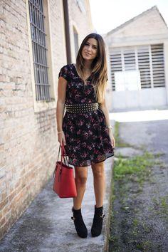 La blogger Gloria Bombarda indossa un vestito #Kiabi