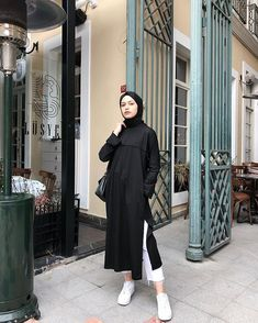 ZAFUL offers a wide selection of trendy fashion style women's clothing. Modern Hijab Fashion, Street Hijab Fashion, Hijab Fashion Inspiration, Muslim Fashion, Mode Inspiration, Fashion Outfits, Casual Hijab Outfit, Hijab Chic, Ootd Hijab