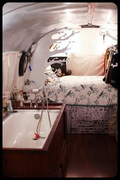 Trailer, Bed, Bath