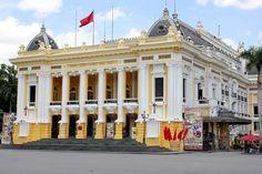 Opéra d'Hanoi au Vietnam inspiré de l'opéra Garnier à Paris - Photo de Hieucd Hanoi, France, Vietnam, Asia, Street View, Mansions, House Styles, Photos, Travel