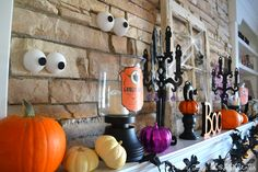 Spooky Eyes - 25 Spooky Halloween Mantels   DIY Tips