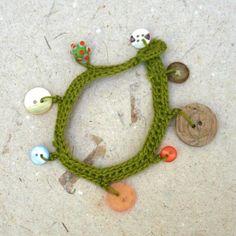 Crocheted button bracelet