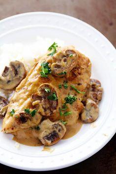 Creamy Chicken Marsala | The Recipe Critic. Want to try it with Fat free milk (or almond milk) & cornstarch instead of heavy cream.