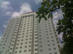 Cao ốc có các căn hộ theo hướng Đông Nam, có View ra mặt tiền đường, và sông Sài Gòn, đây là không gian sinh sống lý tưởng cho cư dân.