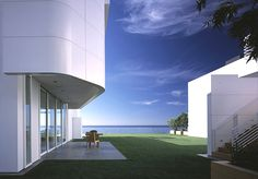 The Southern California White Beach House by Richard Meier & Partners Architects.
