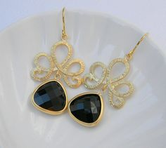 Gorgeous earrings...$30.00