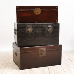 These 19th Century Chinese Leather Traveling Trunks allow world travelers to stay organized, while decorating their homes. | Bonnin Ashley Antiques