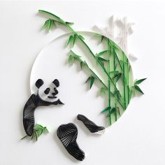 Another black & white #quilling #paper #art #paperart #paperquilling #design #paperdesign #blackandwhite #panda #bamboo #craftsposure #simplycooldesign #クイリング #ペーパー #アート #ペーパーアート #デザイン #紙 #白黒 #パンダ #竹
