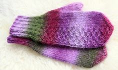 Mittens of Puro yarn (manufacturer: Novita, Finland) Worsted weight. Knit Mittens, Knitted Hats, Cable Knitting Patterns, Knitting Ideas, Handicraft, Knit Crochet, Gloves, Purple, Lilac