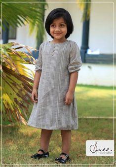 ideas for baby dress cotton free pattern Kids Dress Wear, Dresses Kids Girl, Kids Outfits, Kids Wear, Baby Frock Pattern, Frock Patterns, Baby Girl Haircuts, Baby Haircut, Cotton Frocks For Kids