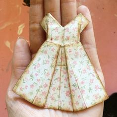 How to Make an Origami Dress With Graphic 45 - - How to create a sweet little origami dress from a sheet of paper ~ from Graphic 45 Source by Origami Design, Origami Paper, Oragami, Origami Cranes, Origami Vestidos, Paper Art, Paper Crafts, Origami Dress, Dress Card
