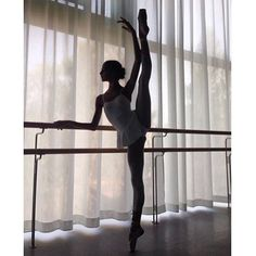 The most crazy thing is that I was not looking for anything, so fate … # Fanfic # amreading # books # wattpad Dance Photography Poses, Dance Poses, Ballet Pictures, Dance Pictures, Images Esthétiques, Tiny Dancer, Ballet Beautiful, Ballet Dancers, Ballerinas