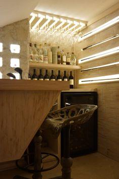 Cava dentro de casa/hogar/ wine cellar /wine cave