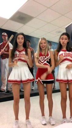 Cheerleader Dance, Hot Cheerleaders, Cheerleading, Best Friend Lyrics, Free Shows, Cheer Uniforms, Model Poses Photography, Dance Choreography Videos, Tic Tok