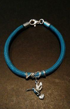Armband leer met zilveren kolibrie. van Atelier925 op DaWanda.com