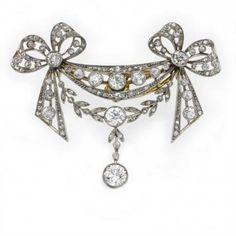 Todo envuelto en un arco .... Un broche de diamantes de estilo eduardiano, alrededor de 1900