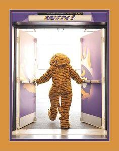 The doorway to victory! #LSU