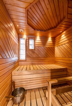 Saunaremontti Helsingissä Sauna Design, Spa Rooms, Saunas, Backyard Pergola, Powder Room, Man Cave, Hot Tubs, Cabins, Interior