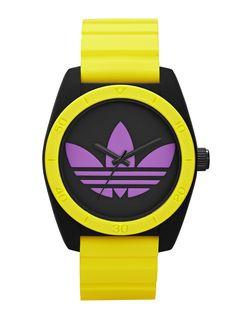 Diese sportliche Armbanduhr ist durch das knallige Armband ein angesagter Farbtupfer an deinem Handgelenk.
