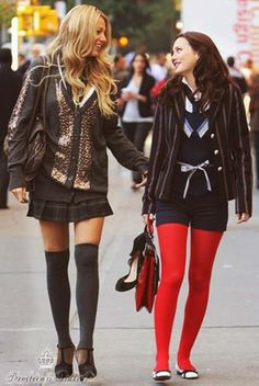 Today, preppy style is trendy again. You may not remember the Clueless Cher, but you definitely love the elegant, preppy and sophisticated style of Blair Waldorf from Gossip Girl. Blair loves feminine dresses and skirts and always looks as girly as possible.
