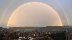 Arcoiris en el amanecer del Valle de Aburrá por Victor Ortega