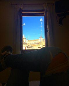 #catedral #alcazar #castillalamancha #vacaciones #viaje #escapada #igerclm #arquitecture #vistasdesdemiventana #ventana #descanso #desconecion #vistas #panoramica #nikon #newbalance #toledo #cielo #azul #siesta #spain #españa #cama #igers #instapic #instaboy #tbt by facresma