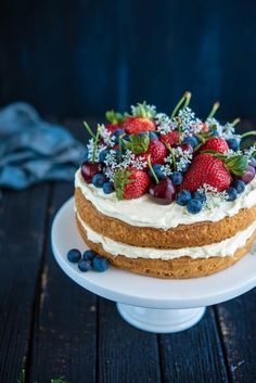 Sponge Cake with Berries and Cherries (The Hungry Australian) . this would be so yummy with angel food cake! and it looks absolutely beautiful. Baking Recipes, Cake Recipes, Dessert Recipes, Summer Desserts, Just Desserts, French Desserts, Pretty Cakes, Beautiful Cakes, Food Cakes