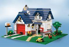 How to Build a LEGO Dollhouse