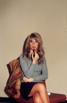 Julie Christie photographed by Art Zelin in New York, Julie Christie, Classic Actresses, British Actresses, Beautiful Actresses, Nylons, Lulu Fashion, 70s Fashion, Classic Hollywood, Hollywood Stars