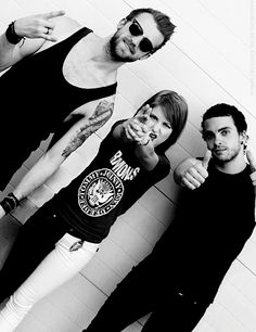paramore - <3 them! Ps I want her pants! Lol