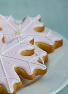 Winter Holiday Snow Flake Cookies.  Perfect for Christmas!