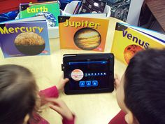 Teacher and blogger Monica Burns recommends some of her favorite free iPad apps that help teachers and students create engaging presentations.