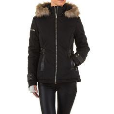 36,99 € - Mit dieser schicken Jacke aus der aktuellen Noemi Kent Kollektion sind Sie bei frostigen Temperaturen bestens gekleidet. Die Jacke ist tailliert geschnitten und verfügt über eine Kapuze mit Kunstfellbesatz. Die Kapuze kann mit nur einem...