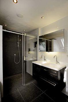 Badkamer Te koop aan de Merel 9 in Zuid-scharwoude. Vrijstaande woning met 5 kamers  Klaver Makelaardij