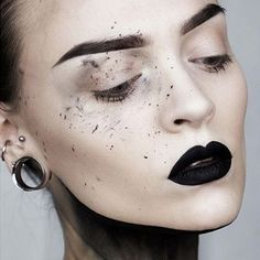 Look at this masterpiece @moahedstroms created using #EverlastingLiquidLipstick in #Witches  #kvdlook #muse
