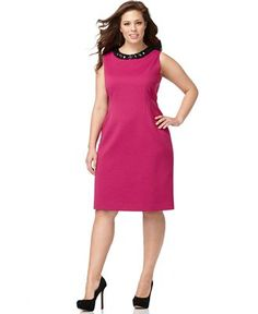 Wear this to the office with a jacket or cardi, stunning