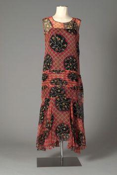 American, ca. 1920s Fashion Women, Retro Fashion, Vintage Fashion, Ladies Fashion, 1920s Outfits, Vintage Outfits, Vintage Clothing, Pablo Picasso, Older Bride Dresses