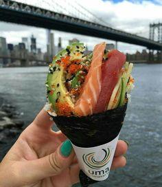 Sushi me rollin. Healthy Gourmet, Healthy Dishes, Healthy Recipes, Sushi Recipes, Asian Recipes, Cucumber Recipes, Yummy Food, Tasty, Food Goals
