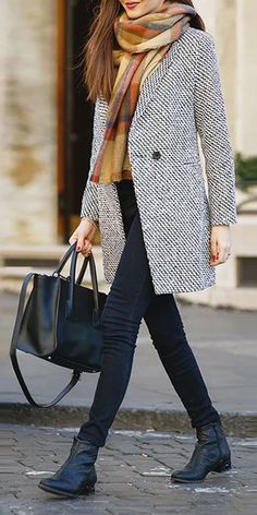27 times in winter outfits with scarf don't look basic - Kleidung - damenmode Winter Outfits For Teen Girls, Winter Outfits For Work, Winter Fashion Outfits, Trendy Fashion, Autumn Fashion, Winter Clothes, Fashion Women, Trendy Style, Skinny Fashion