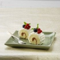 HONEY LEMON ROLL CAKE http://www.sajiansedap.com/mobile/detail/1793/honey-lemon-roll-cake