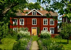 Now this a Swedish cabin to die for! A so called Hälsingegård from northern Sweden.