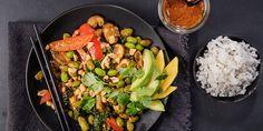 Asiatisk vegertarwok med hjemmelaget woksaus - Vegan Dinners, Kung Pao Chicken, Wok, Sprouts, Vegetarian, Asian, Vegetables, Snacks, Ethnic Recipes