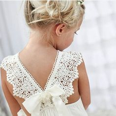 The little flower girls are so important at a wedding. What's the most exciting moment of a wedding? But before all these, it's flower girls that show up first. Dress Flower, Cute Flower Girl Dresses, Bohemian Flower Girl Dress, Flower Girl Beach Wedding, Beach Flower Girls, Flower Girl Outfits, Bohemian Beach Wedding, Girls Dresses, Lace Dresses