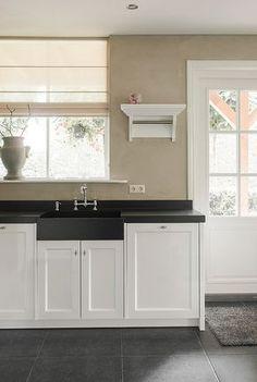 58 new Ideas for farmhouse dining decor rustic Dining Decor, Kitchen Decor, Elegant Kitchens, Best Kitchen Designs, Kitchen Styling, Country Kitchen, Home Kitchens, Kitchen Remodel, Kitchen Cabinets