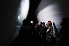 """Até dia 12 de outubro, o espetáculo""""Atman"""" fica em cartaz no Teatro Novelas Curitibanas. Apresentações ocorrem de quinta-feira a domingo, às 20h, com entrada Catraca Livre. Peça teatralleva para dentro de cada espectadorreflexões sobre sua própria existência, promovendo o interesse e a busca pelo autoconhecimento. No palco, há a mistura entreteatro, artes visuais e instalação...<br /><a class=""""more-link""""…"""
